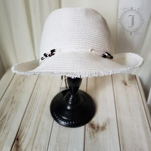 Tommy Bahama White Beaded Packable Fedora Hat